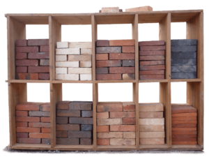differentes briques de couleurs et de calibres, produits de la briqueterie de sommereux